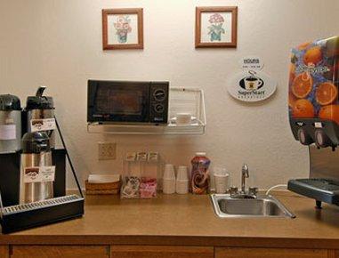 фото Super 8 Motel Ticonderoga 487729702