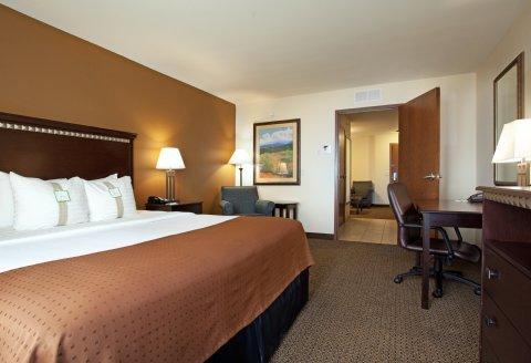 фото Holiday Inn Express & Suites Pueblo 487731088