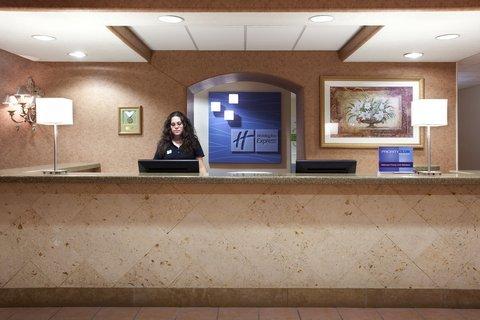 фото Holiday Inn Express Belen 487733333