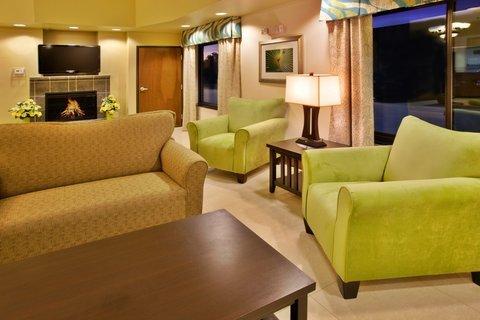 фото Holiday Inn Express WATERLOO-CEDAR FALLS 487736263