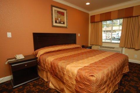 фото Monterey Surf Inn 487736790
