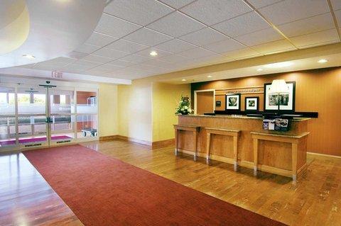 фото Hampton Inn Petersburg - Southpark Mall 487736794