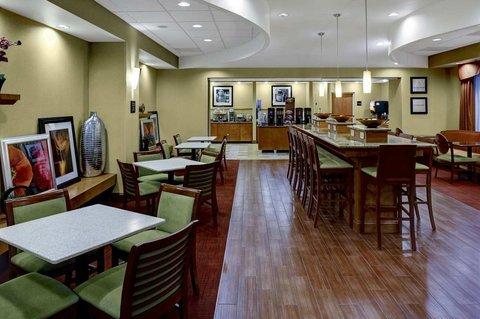 фото Hampton Inn Petersburg - Southpark Mall 487736800