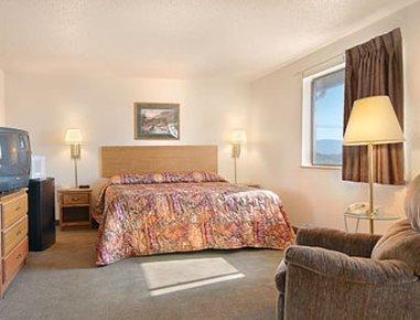фото Super 8 Motel Roanoke 487737761