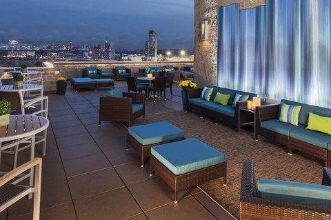 фото DoubleTree Suites by Hilton Hotel Boston - Cambridge 487739973