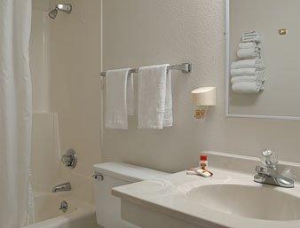 фото Super 8 Motel - Watertown 487741212