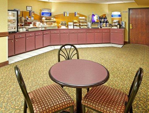 фото Holiday Inn Express Bentonville 487744401