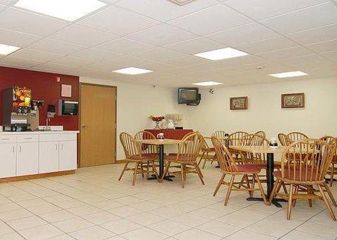 фото Econo Lodge Inn and Suites 487744626