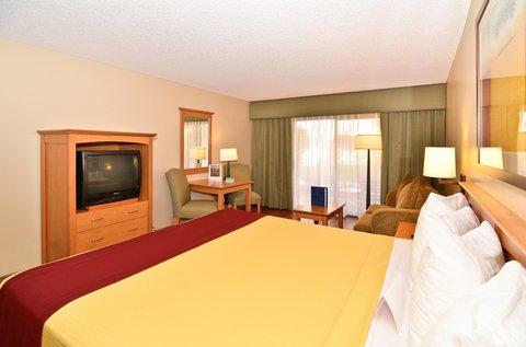 фото BEST WESTERN PLUS Palm Desert Resort 487748473