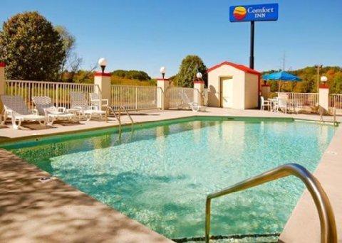 фото Comfort Inn Newport 487748536