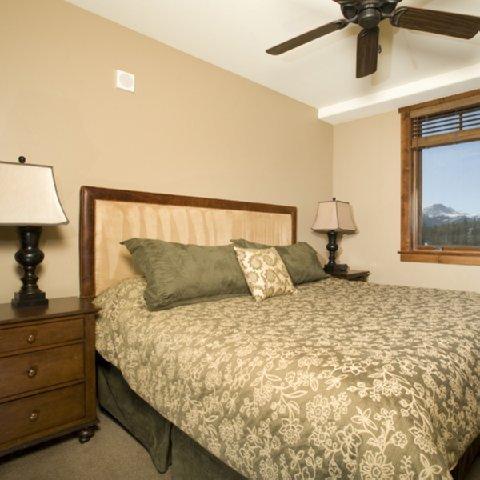 фото Crystal Peak Lodge 487749425