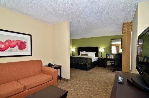 фото Best Western Plus Addison/Galleria Hotel 487753592