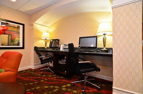 фото Holiday Inn Express - St Mountain 487755462