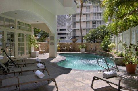 фото Coconut Waikiki Hotel, a Joie de Vivre Hotel 487756751