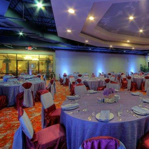фото MCM Elegante Hotel and Suites – Dallas 487759818