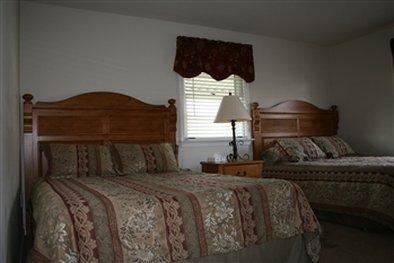 фото CARRIAGE HOUSE INN 487760862