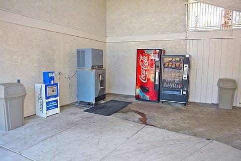 фото Motel 6 San Diego North 487764147