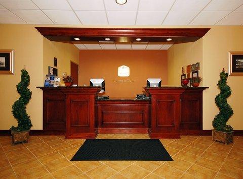 фото Best Western PLUS Victor Inn & Suites 487766114