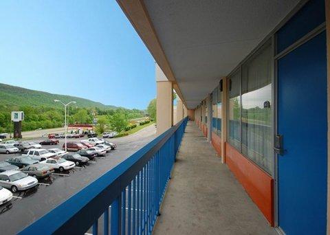 фото Rodeway Inn & Suites Harriman 487769899