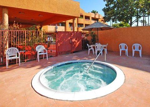 фото Comfort Suites Huntington Beach 487770126