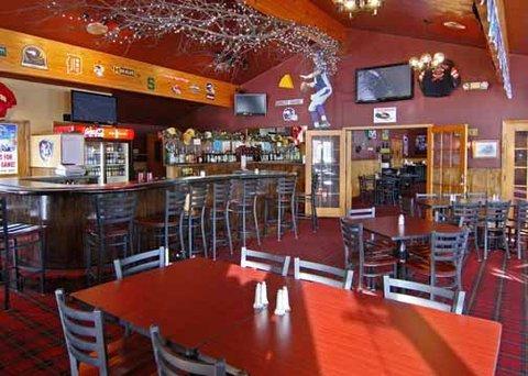 фото Econo Lodge Inn & Suites Munising Area 487773113