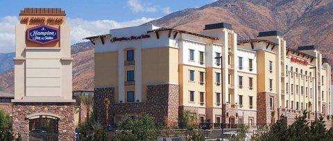фото Hampton Inn & Suites Highland 487774136