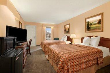 фото Baymont Inn and Suites - Greenwood 487774684