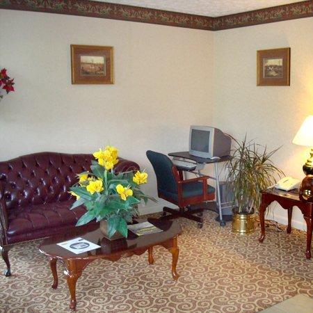 фото Boarders Inn & Suites 487779831