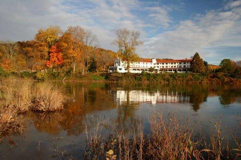 фото Shawnee Inn and Golf Resort 487783434