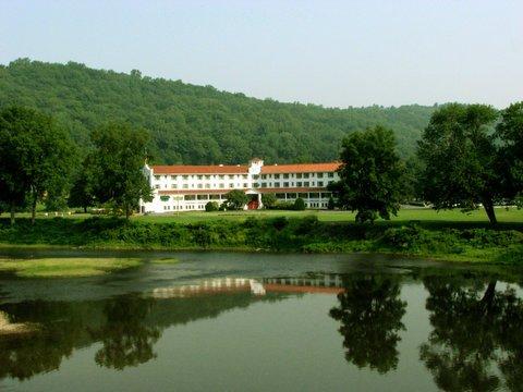 фото Shawnee Inn and Golf Resort 487783435