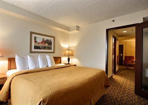 фото Quality Suites Milwaukee Airport 487784113