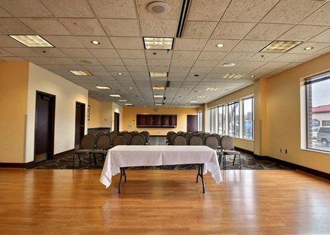 фото Quality Suites Milwaukee Airport 487784124