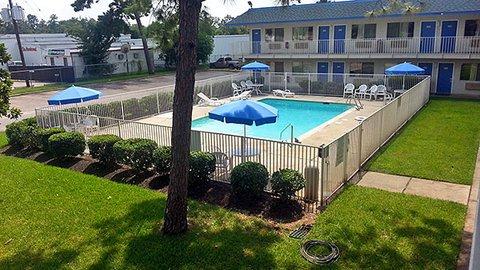 фото Motel 6 Conroe 487784177