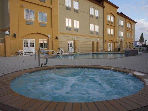 фото La Quinta Inn & Suites Raymondville 487787473