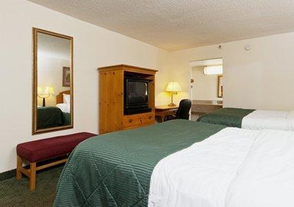 фото Clarion Inn & Suites 487787584