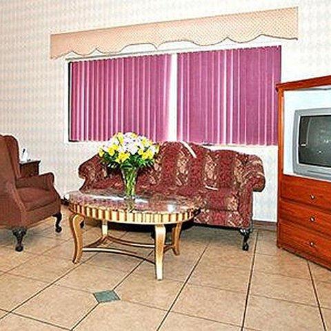фото Magnuson Hotel Childress 487789181