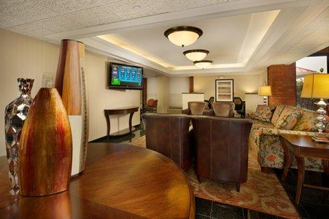 фото Drury Inn Suites Fairview Hts 487790172