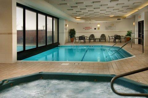 фото Drury Inn Suites Fairview Hts 487790177