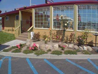 фото Howard Johnson Express Inn Monterey Seaside 487790669