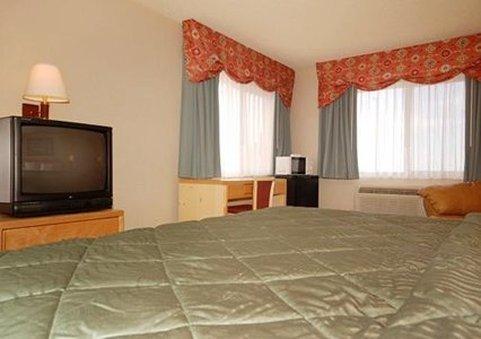 фото Econo Lodge West 487792757