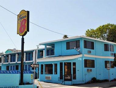 фото Super 8 Santa Cruz/Beach/Boardwalk West 487793642