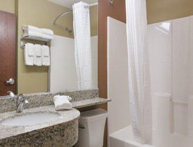 фото Microtel Inn & Suites by Wyndham Ann Arbor 487794874