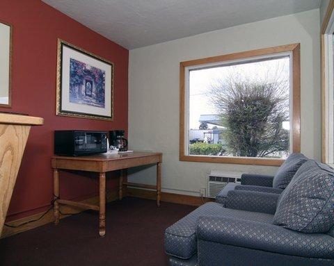 фото Econo Lodge Inn & Suites Durango 487795533