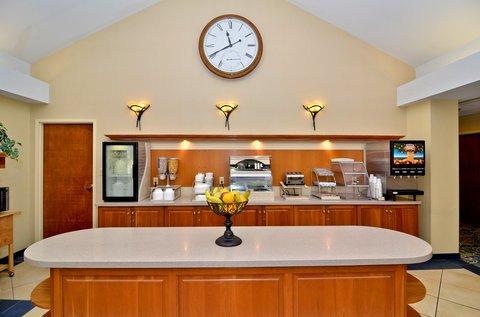 фото Best Western PLUS Galleria Inn & Suites 487797943