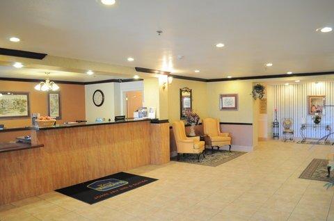 фото Best Western John Jay Inn & Suites 487797958