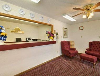 фото Days Inn Williamsburg 487799925