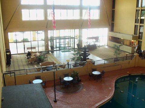 фото Holiday Inn Morgantown 487800447