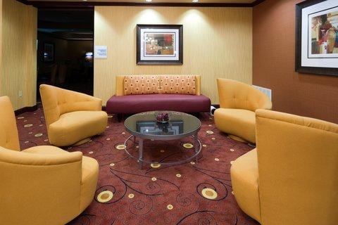 фото Holiday Inn Express Hotel & Suites Ennis 487803785