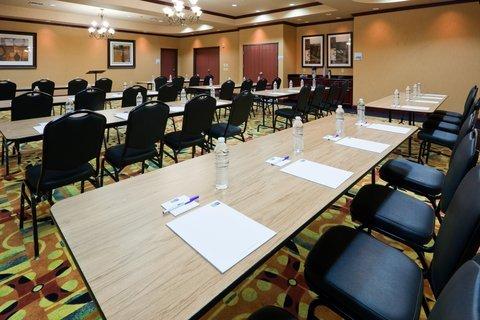 фото Holiday Inn Express Hotel & Suites Ennis 487803802
