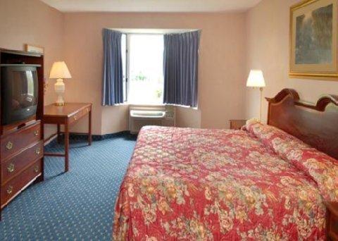 фото Econo Lodge Inn And Suites 487804218